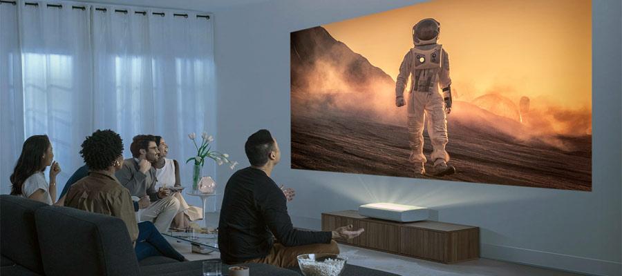 Samsung Laser TV im Wohnzimmer