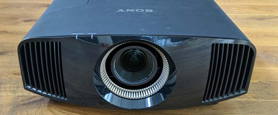 Sony VW590ES Beamer Optik Sicht