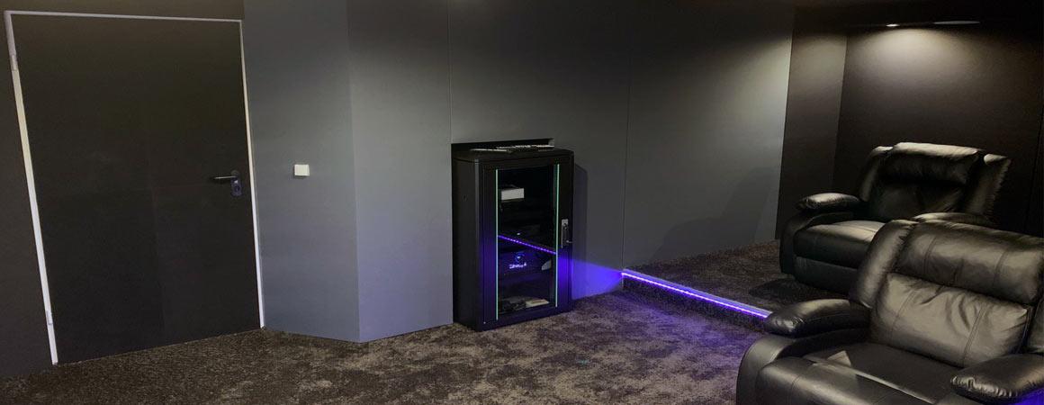 Heimkino Technikschrank Installation